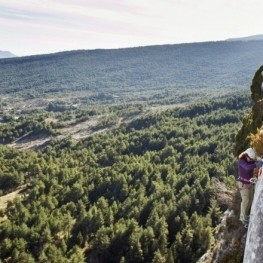 Get to know Catalonia from another angle, do climbing