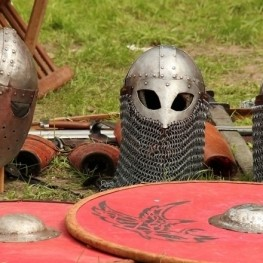 Travel to the past through medieval fairs