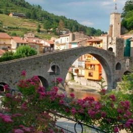 Femturisme for charming towns