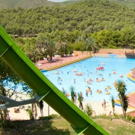 Win two tickets to Aqualeón Water Park Costa Dorada