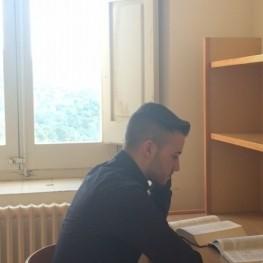 Venez étudier au monastère!