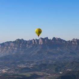Vuelo en globo en el Bages con vistas a Montserrat