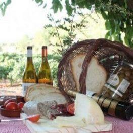 Esmorzar entre vinyes