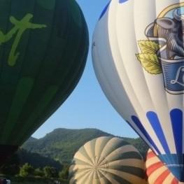 Vol en globus a l'hivern + Visita a la Cooperativa La Fageda