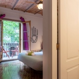 Stay at the Primavera-Hostel to visit Barcelona