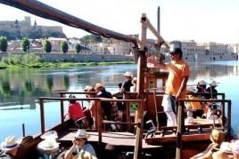 Concert Ivette Nadal navegant per l'Ebre