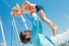 Vacaciones en velero a Menorca con niños