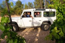 Give a 4x4 trip to the Priorat vineyards!