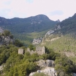 Route vers le château de Roset à Vilada