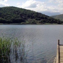 Tour of Montcortes Lake